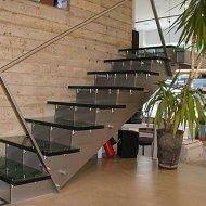Стеклянные лестницы на косоурах