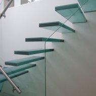 Консольные стеклянные лестницы