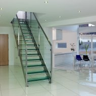 structural-glass-staircase-treads1